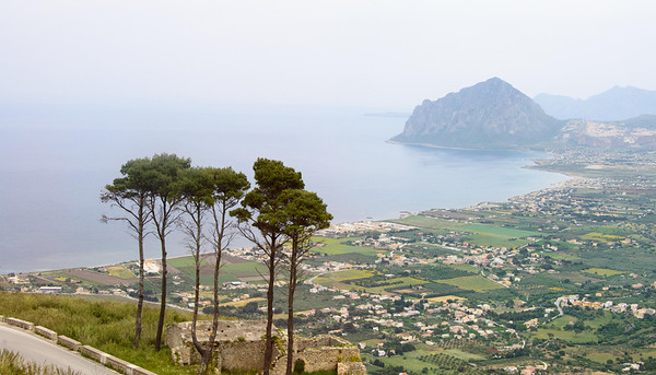 2013 05 01d Road Marsala to Erice