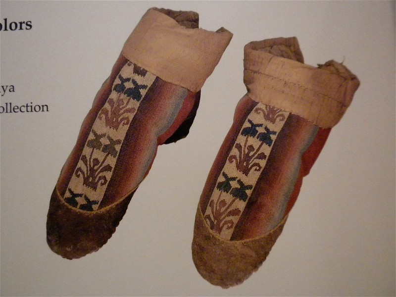 Embroidered boots with gradated colors page 198