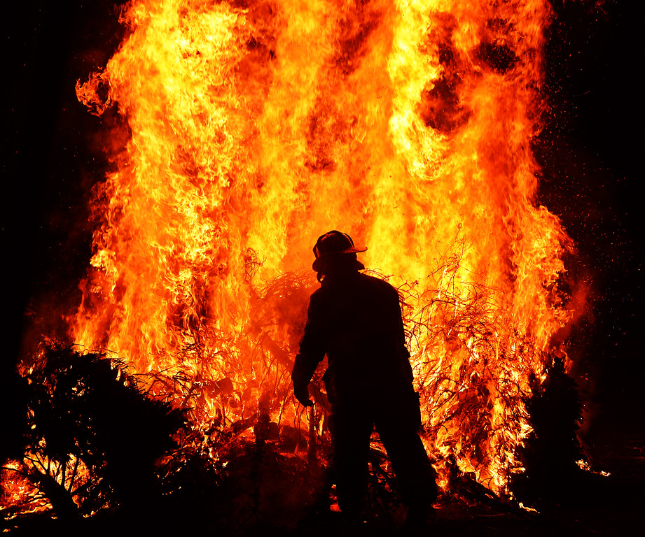 PEH_3632 bonfire