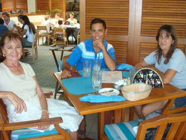 A good lunch for Jason, to send him off to CA for school.  Ruth - Jason - daughter:Vickie