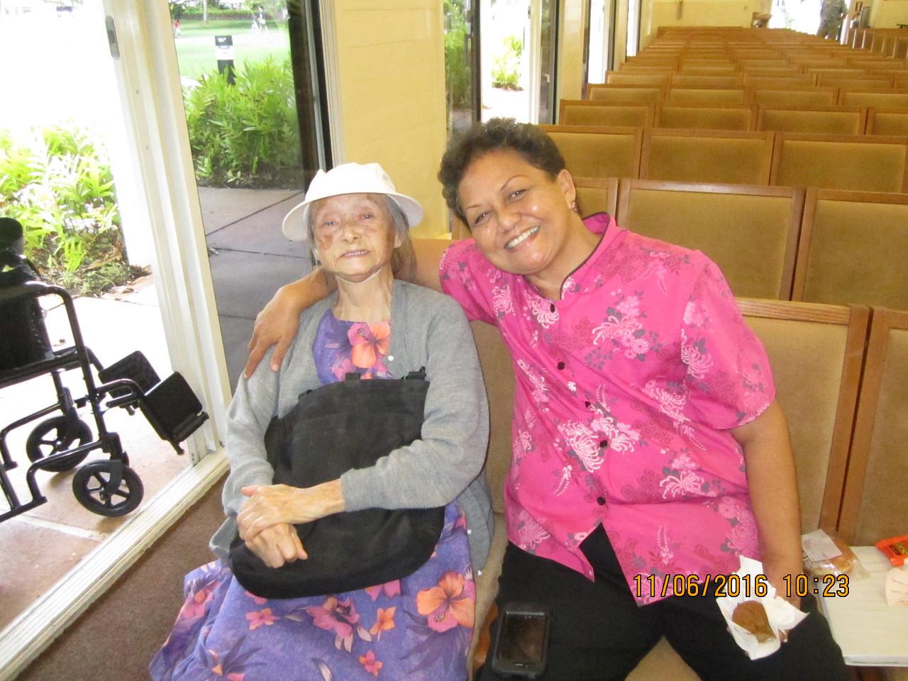 Mama Ellen with Oei Lan