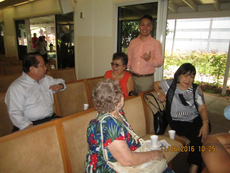 Jordan & grandma Lydia with visitors