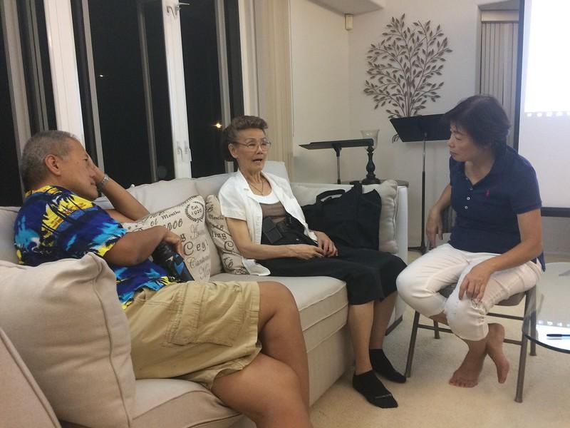 group discussion.. brother John - Li Tsun - Mei Li
