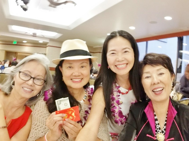 with sisters: Susan - MayLee - Amy - Jennie