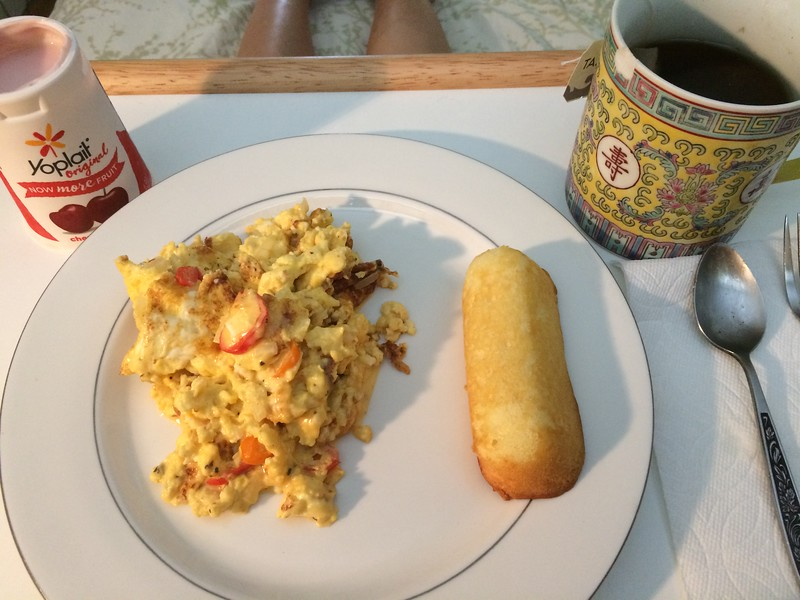 Breakfast in bed.. I have not eaten twikie for ages... Mahalo to BenBen' s preparing meal for me.