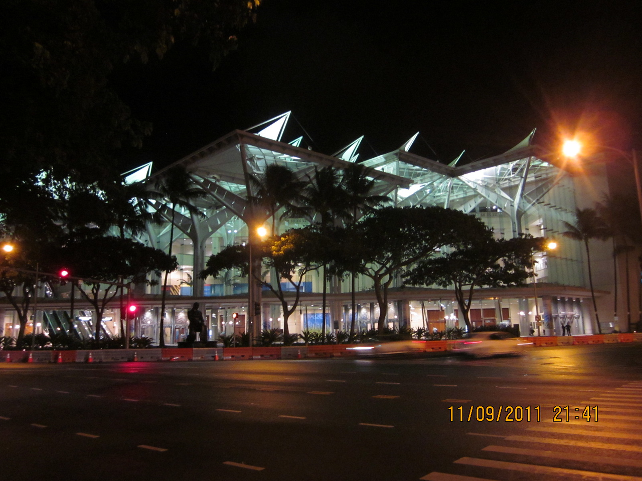 This is the Hawaii Convention Center where hosts 21 countries APEC