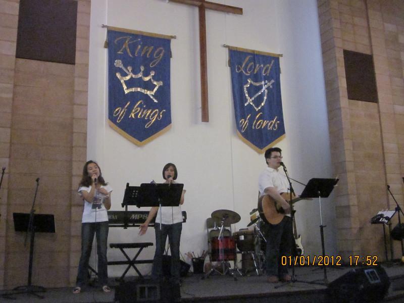 the worship team:  YinYa - Tracfy - Will