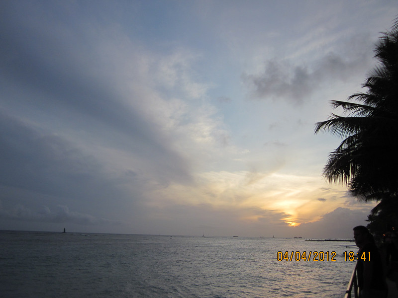 too much cloud, can't see nice sunset.. it's okay!