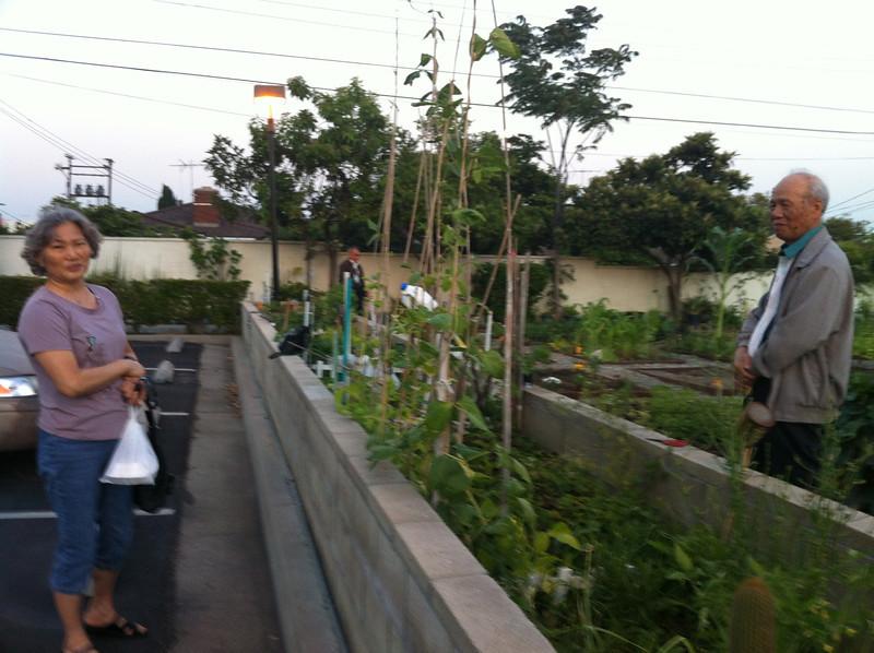 Dah Sao and her neighbor..