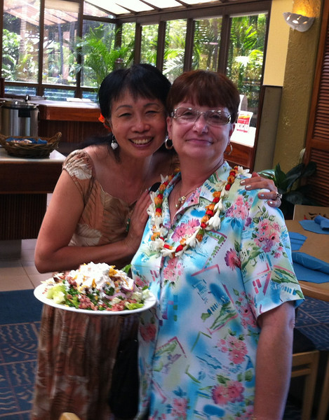 Happy belated birthday to Missy... This lei is on her .. aloha spirit lei!  I have not seen Missy for ages.. Her birthday was 8/25.