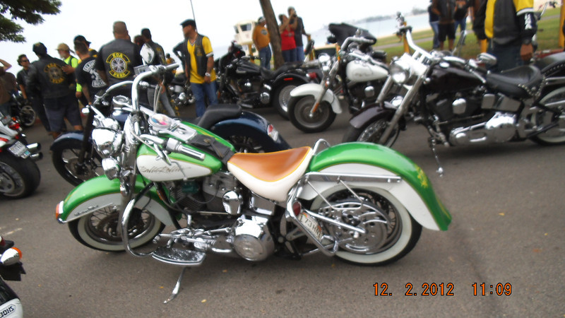 I like this color of bike
