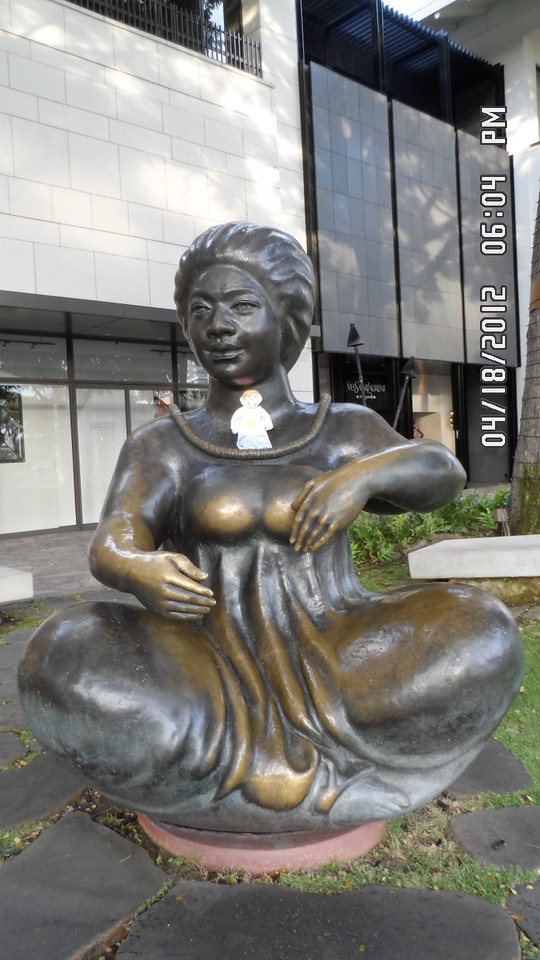 Flat Stanley with this lady statue.. on Kalakaua Ave..