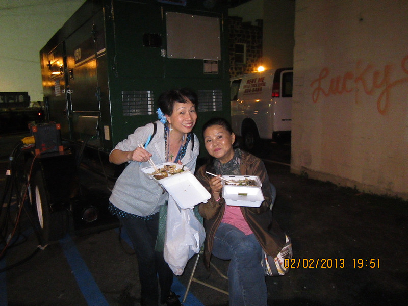 with my sister LC in Chinatown.. was so hungry..
