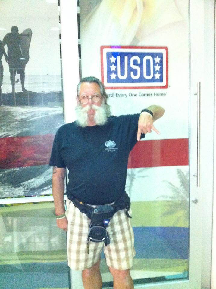 030113 Bob at USO