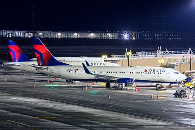 Delta Air Lines Boeing 737-832 N3772H 12-14-20