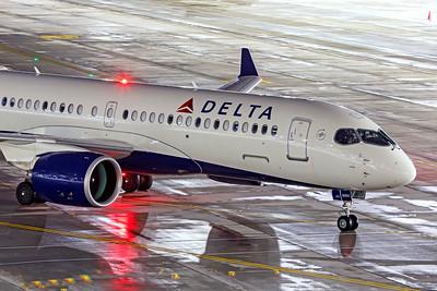 Delta Air Lines Airbus A220-300 N303DU 12-14-20 3
