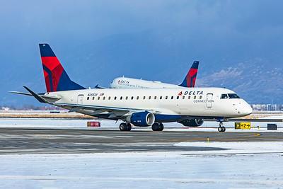 SkyWest Airlines Embraer ERJ-170-200LR N255SY 12-12-20 2