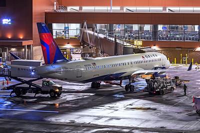 Delta Air Lines Airbus A220-300 N303DU 12-14-20 4
