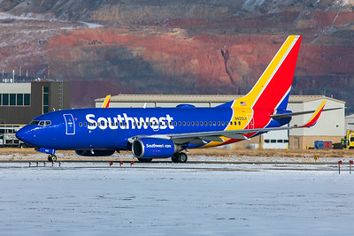 Southwest Airlines Boeing 737-7H4 N425LV 12-12-20
