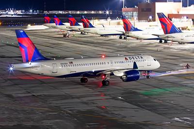 Delta Air Lines Airbus A220-300 N303DU 12-14-20 2