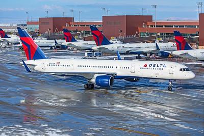Delta Air Lines Boeing 757-231 N717TW 12-12-20 2