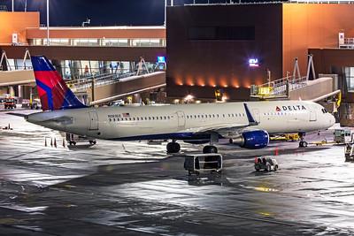 Delta Air Lines Airbus A321-211 N383DZ 12-14-20 2