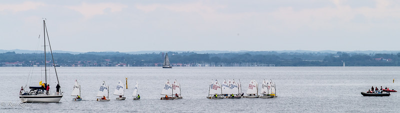 Der er koncentration og en speciel stemning, når starten går til Sletten Cup for de yngste sejlere
