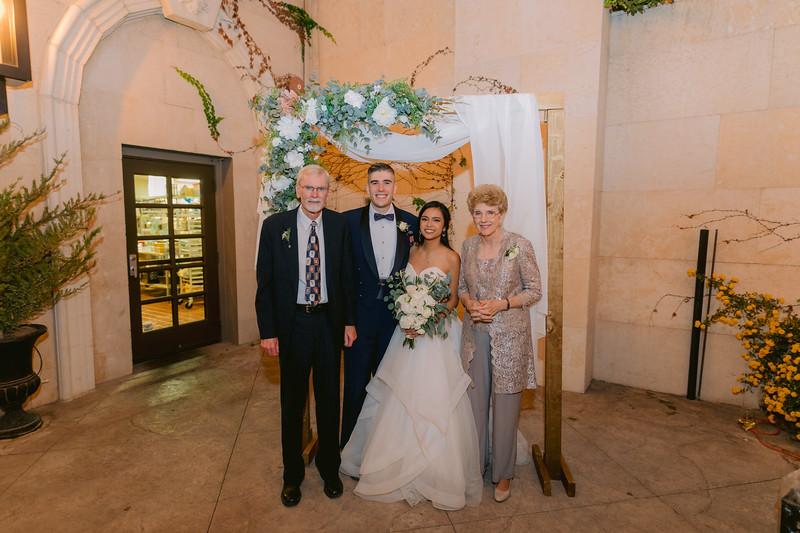 Gladys+Colin ~ Wedding Photo Booth_010
