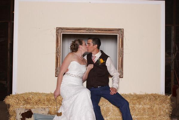 Kyle+Savannah ~ Taft Ranch Photobooth!