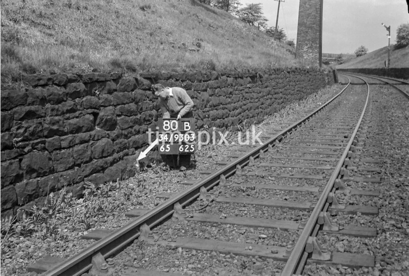 SD930380B, Ordnance Survey Revision Point photograph in Greater Manchester