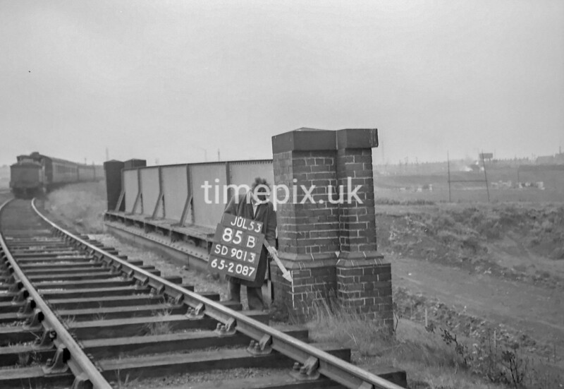SD901385B, Ordnance Survey Revision Point photograph in Greater Manchester