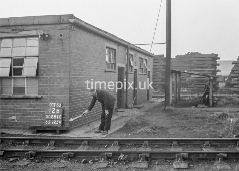 SD881012B, Ordnance Survey Revision Point photograph in Greater Manchester