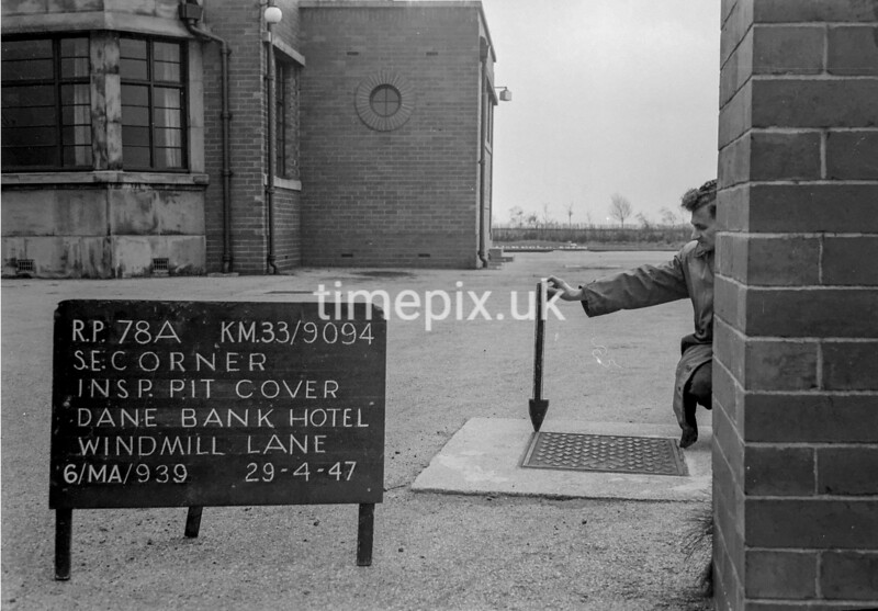 SJ909478A, Ordnance Survey Revision Point photograph in Greater Manchester