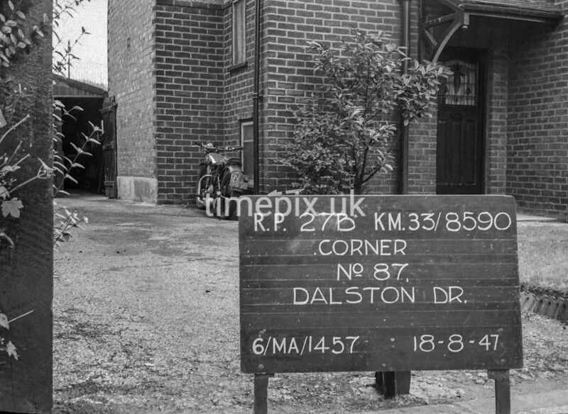 SJ859027B, Ordnance Survey Revision Point photograph in Greater Manchester