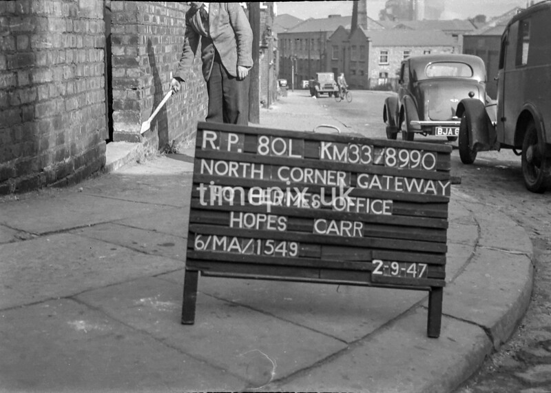 SJ899080L, Ordnance Survey Revision Point photograph in Greater Manchester