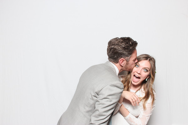 KATE & ROY SMILEBOOTH