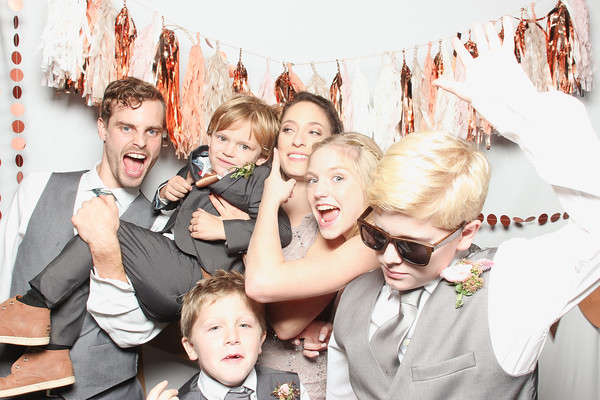 KEEGAN & ROSS SMILEBOOTH