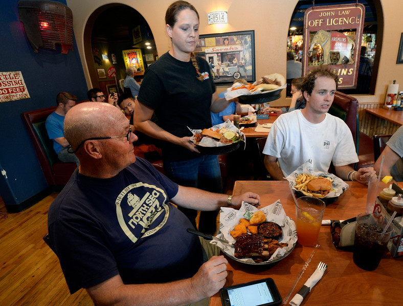 Smokin' Dave's BBQ & Taphouse