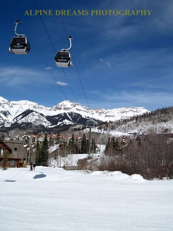 GONDOLAS AT TELLURIDE COLORADO