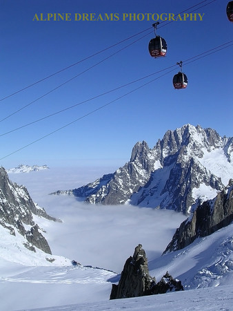 GONDOLA S OVER THE VALLEE BLANC