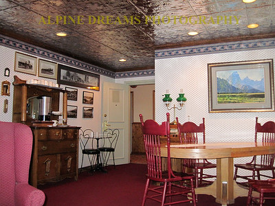 ELEGANCE AT THE PARKWAY INN