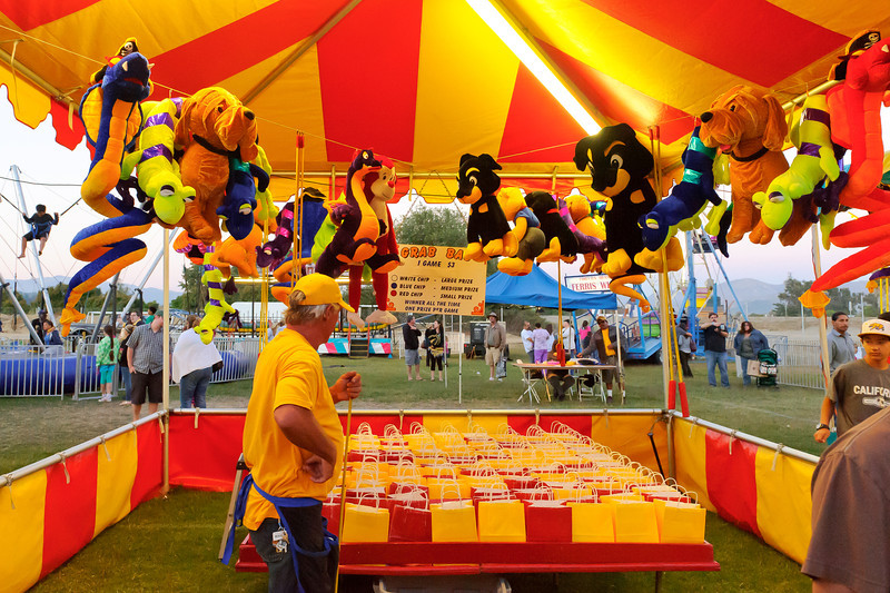 7/27/12  Citrus Classic Balloon Festival in Santa Paula, CA ... Step right up and win yourself a stuffed animal.