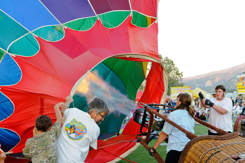 7/27/12  Citrus Classic Balloon Festival in Santa Paula, CA    Do it yourself balloon kit including transportation.  Here is where the do it yourself part come in...  NOW we are getting some place...