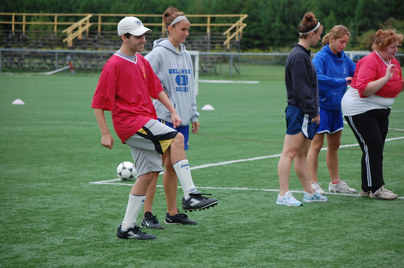 9-12-09 UD Soccer Clinic RTC 001