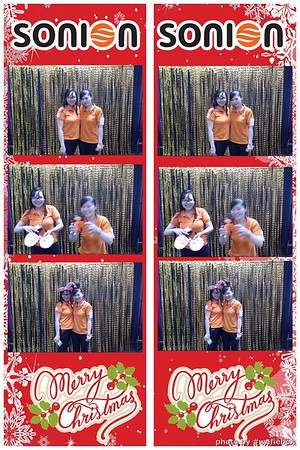 SONION-Vietnam-Christmas-Photobooth-by-WefieBox-025