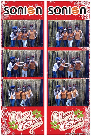 SONION-Vietnam-Christmas-Photobooth-by-WefieBox-021