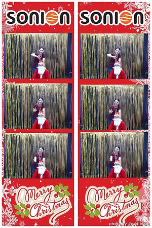 SONION-Vietnam-Christmas-Photobooth-by-WefieBox-030