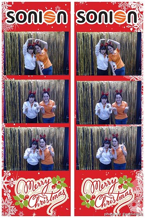 SONION-Vietnam-Christmas-Photobooth-by-WefieBox-028