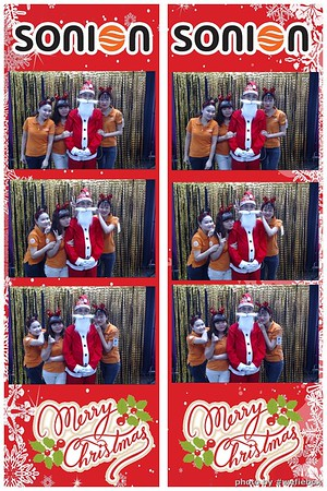 SONION-Vietnam-Christmas-Photobooth-by-WefieBox-023