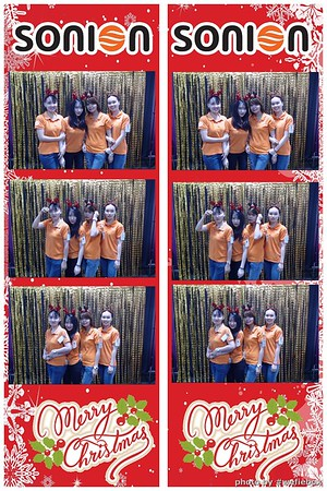SONION-Vietnam-Christmas-Photobooth-by-WefieBox-040